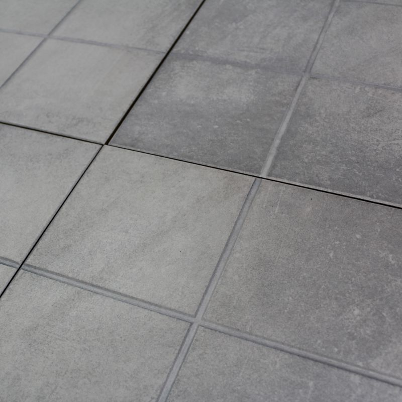 Carrelage sol exterieur modena gris grip structur for Parefeuille carrelage