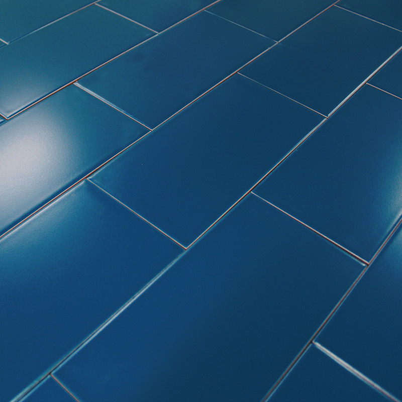 Carrelage sol bleu photo salle bain coloree carrelage for Peinture carrelage bleu
