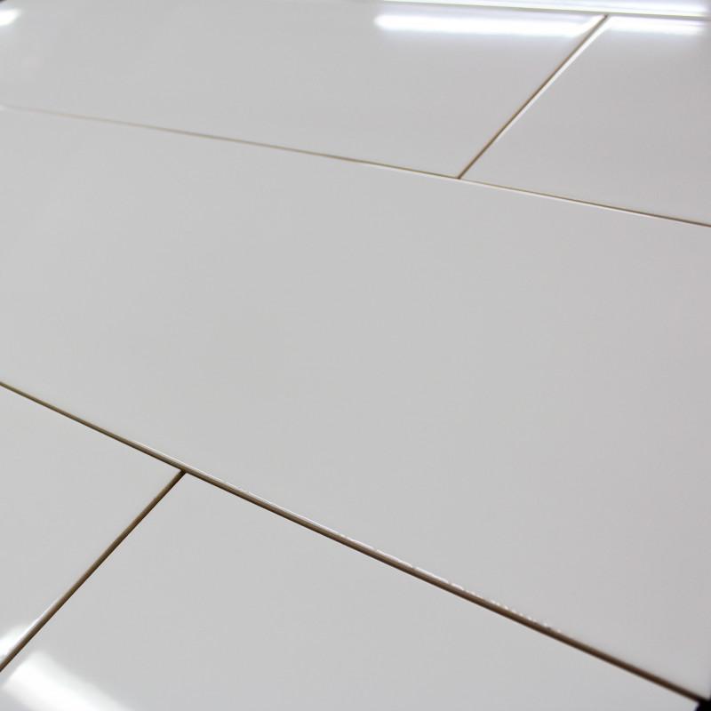 parquet blanc brillant amazing parquet blanc laqu with parquet blanc laqu with parquet blanc. Black Bedroom Furniture Sets. Home Design Ideas